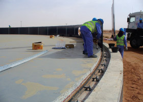 mocke-pipeline-construction-images-bolted-tank-installation